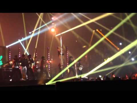 Bruno Mars Gorilla ft. Nicole ThePole, MTV European Music Awards 2013