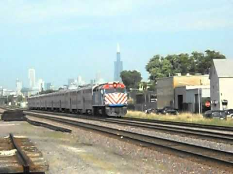 Outbound Metra F40PH-2 # 178 over Kilbourn at Kinzie (Union Pacific West Line)