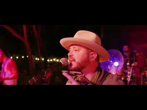 Wade Bowen -  Fell In Love On Whiskey