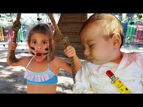 Zara Bebek ve Elis İp Parkuru yapıyorlar