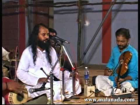 Kacheri by Thrikkodithanam Sachithanandan @ Malanada Temple - Parannu Parannu Chellan