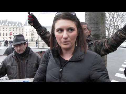 Manifestation de soutien à Sandra Bertin Policière Municipale. Paris/France - 04 Janvier 2017