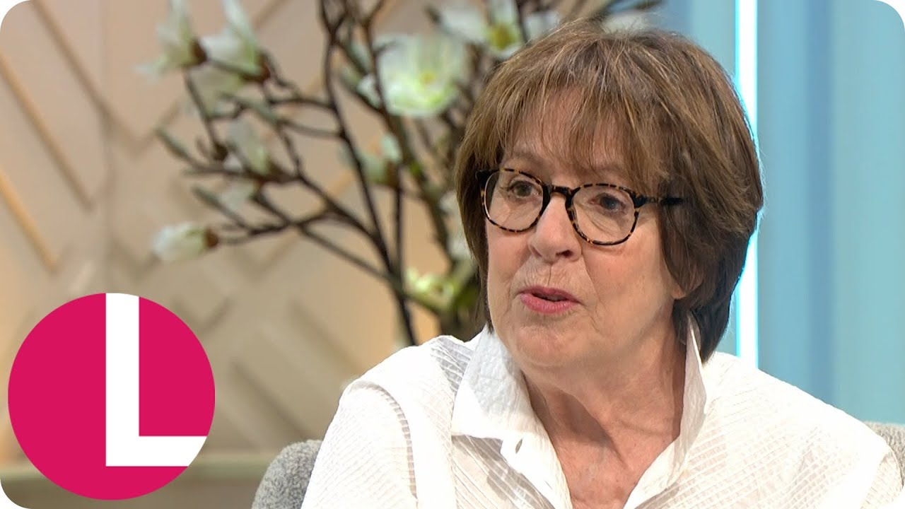 Communication on this topic: Sophia Ahrens GER, penelope-wilton/