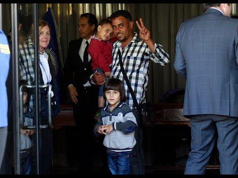 Refugiados sirios llegan a Chile - Ahora Noticias Tarde/ 12 de octubre