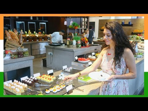 MOUTHWATERING LUXURY HOTELS INDIAN FOOD BUFFET JW MARRIOTT BANGALORE!  | TRAVEL VLOG IV