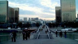 Sleep Spaces /  Simone-de-Beauvoir & Jean Paul Sartre bridge