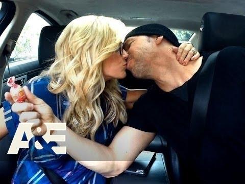 Download Donnie Loves Jenny: Bonus Scene - Car Kisses (Season 2, Episode 2) | A&E