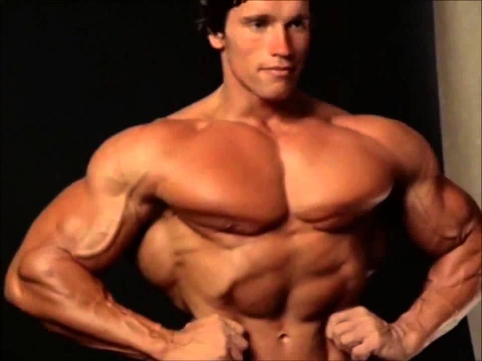 Arnold Schwarzenegger Training (Entrenando)