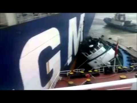 Container Ship Crash Collision (Collision between two Containerships)