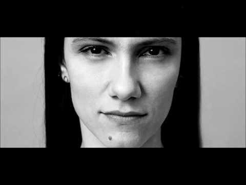 'No Hero' - Elisa, Testo (Lyric video)