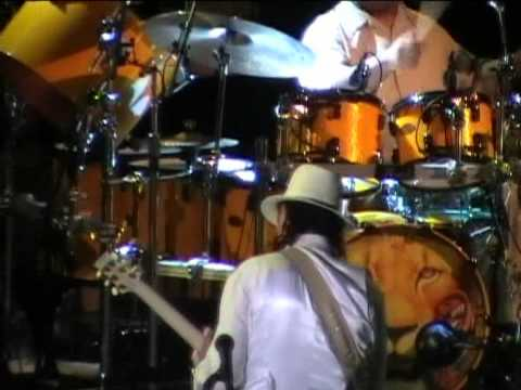 Santana live @Taormina 22/07/2011 - Ouverture - Back in Black (ac/dc cover)