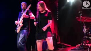 Layla Zoe & Band - Walkin