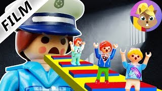 Playmobil Movie-ESCAPE FROM PRISON! IULIAN, ANA AND EMMA REAL LIFE ROBLOX-Anton family