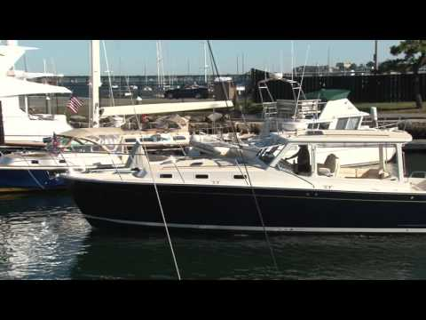 MJM Yachts 40z Docking & Close Quarters Maneuverability