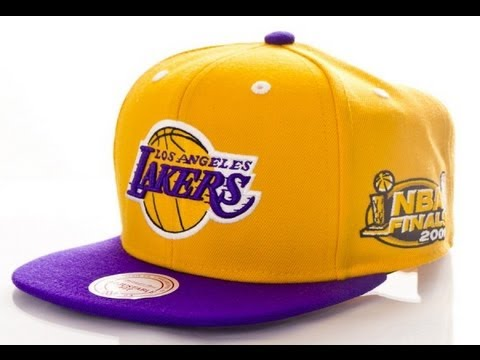 Mitchell   Ness Finals Snapback 2001 Los Angeles Lakers - YouTube 320cad46a60