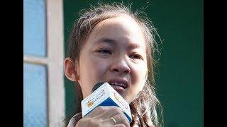 Bé gái 14 tuổi quần quật từ 10h-23h khuya gánh vác kiếm tiền phụ gia đình