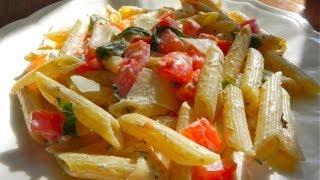 Pasta With Tomatoes, Fresh Basil & Parmesan