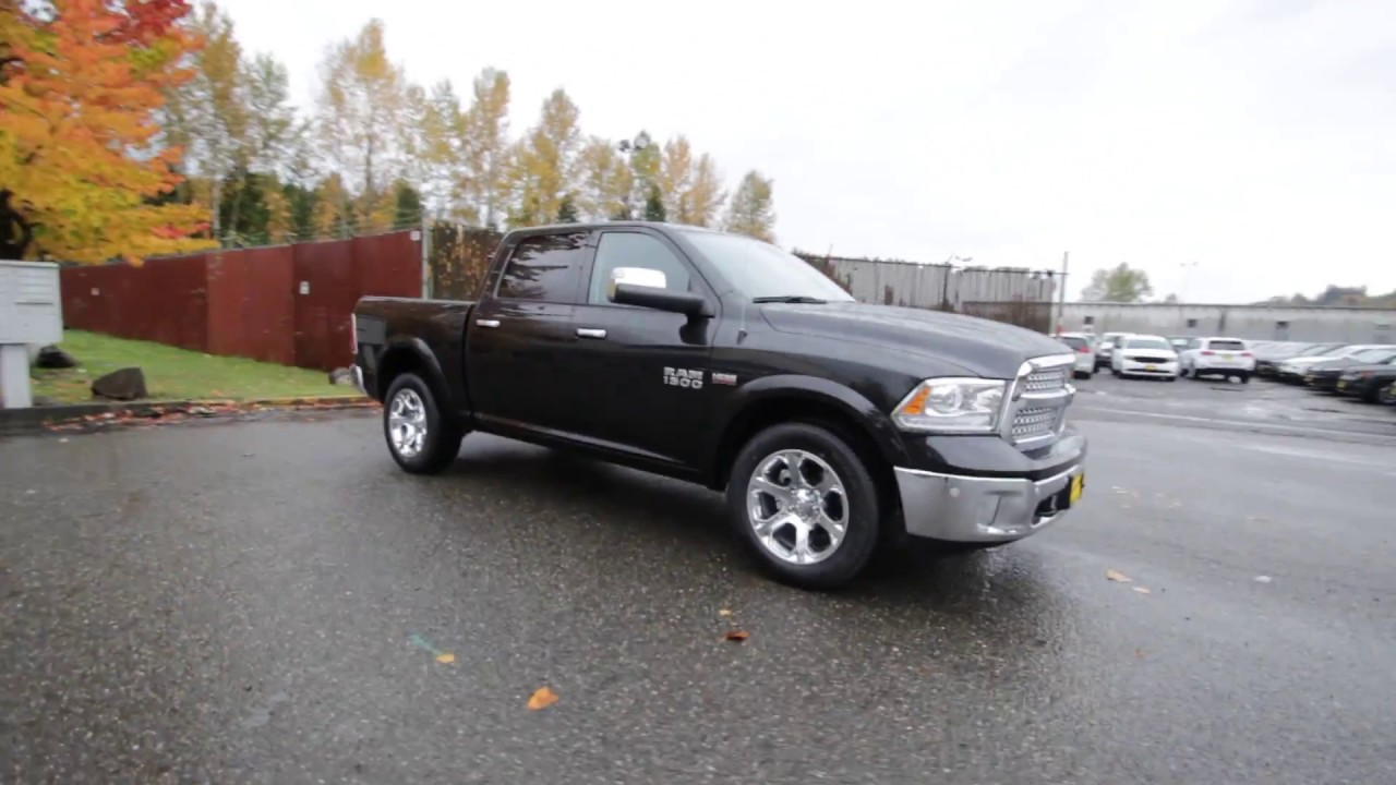 2017 dodge ram 1500 laramie crew cab 4x4 brilliant black hs548802 redmond seattle youtube. Black Bedroom Furniture Sets. Home Design Ideas