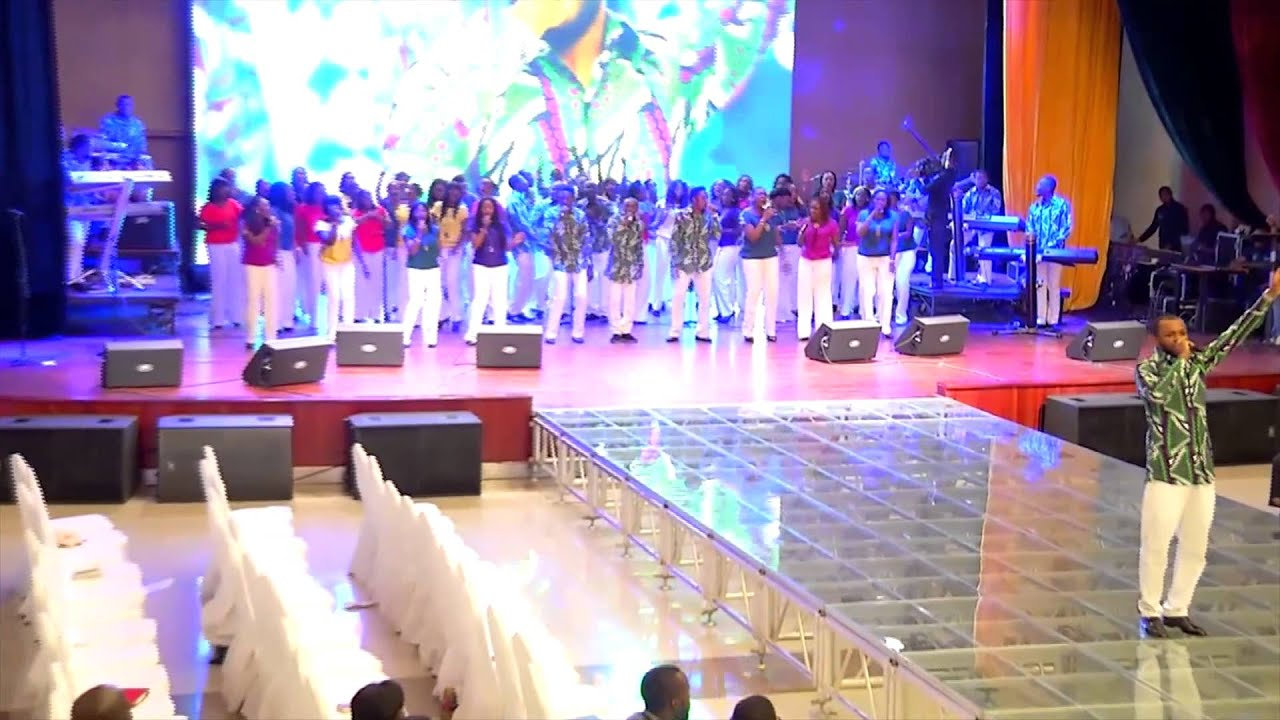 Download Paul Chisom peforming 'Baba Na U' with LCGC