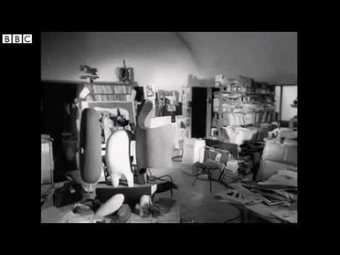 Rare film of Le Corbusier in his Paris home and studio ✔