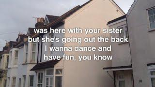 The Fratellis - Creepin up the Backstairs lyrics