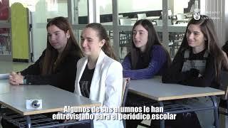 Revilla visita el Colegio La Paz de Torrelavega thumbnail