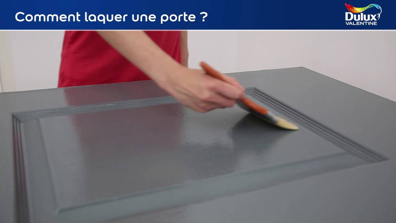 tutoriel comment laquer une porte youtube. Black Bedroom Furniture Sets. Home Design Ideas