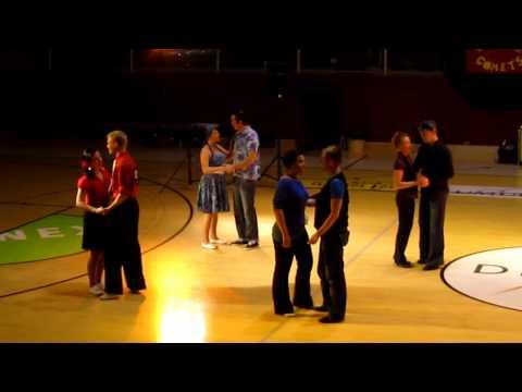 Vastaavaa tanssilava-kulttuuria ei löydy muualta – katso videolta, miten tanssitaan fuskua, merilappilaiset tanssijat näyttävät