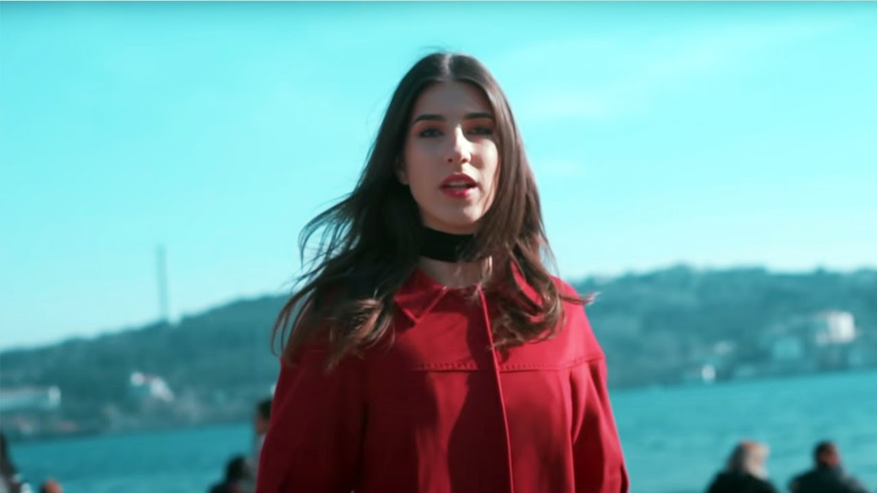 Brianna Lost In Istanbul By Monoir Official Video Youtube