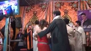 رقص بملايس عريانه ملط وجسمها كلى باين انظر فى أخر الفيديو