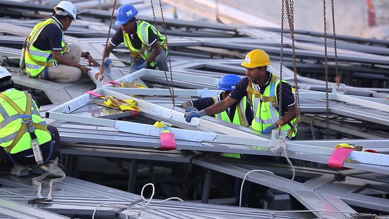 Watch the last piece of outer cladding on the Louvre Abu Dhabi dome lowered  into place