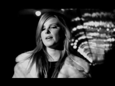 Клип Miranda Lee Richards - Early November