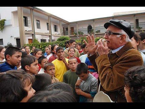 """""""Los Gamines"""" - Niños de la Calle en Bogotá, Colombia"""