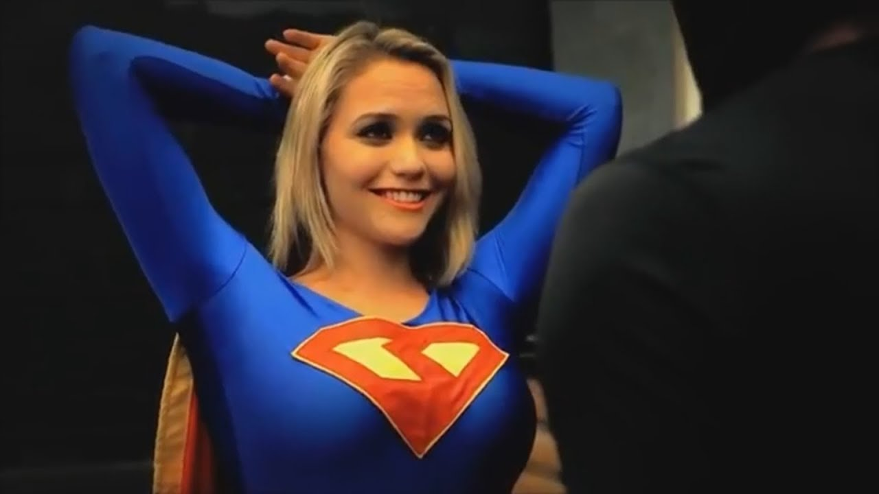Sexy supergirl pictures