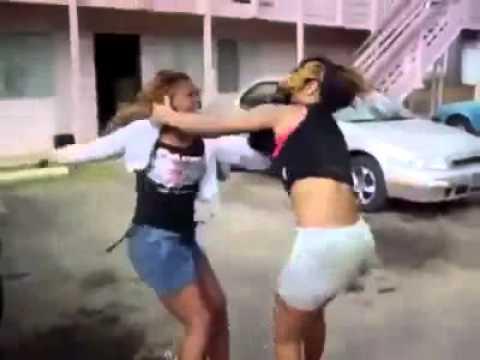 Video: la pelea de dos chicas de 15 aos a la salida de la