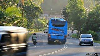 bus di pacu di jalan bergelombang