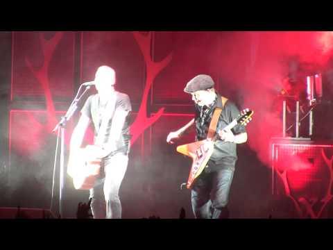 """Frei.Wild  feat. Matt """"Gonzo"""" Roehr - Wir gehen wie Bomben auf euch nieder  (Live in Regensburg)"""