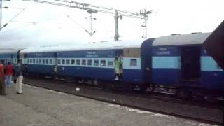 KYN WCAM 3 towing 17617 Tapovan Express