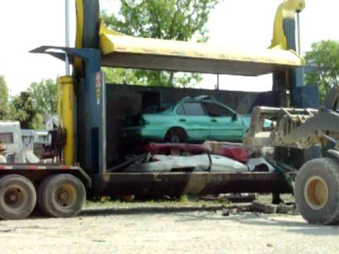 Harris Auto Salvage 4 Car Stack In Crusher Youtube
