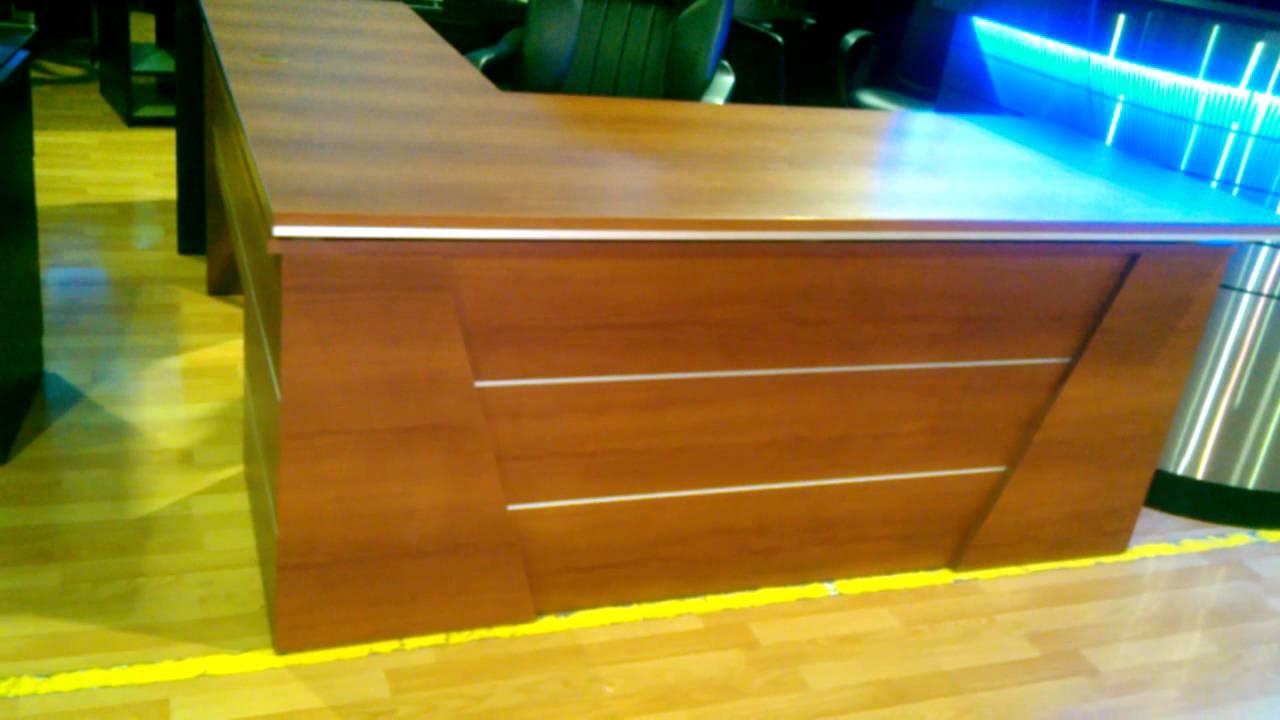 Escritorio gerencial escritorio de melamina muebles de for Muebles de oficina y sus medidas