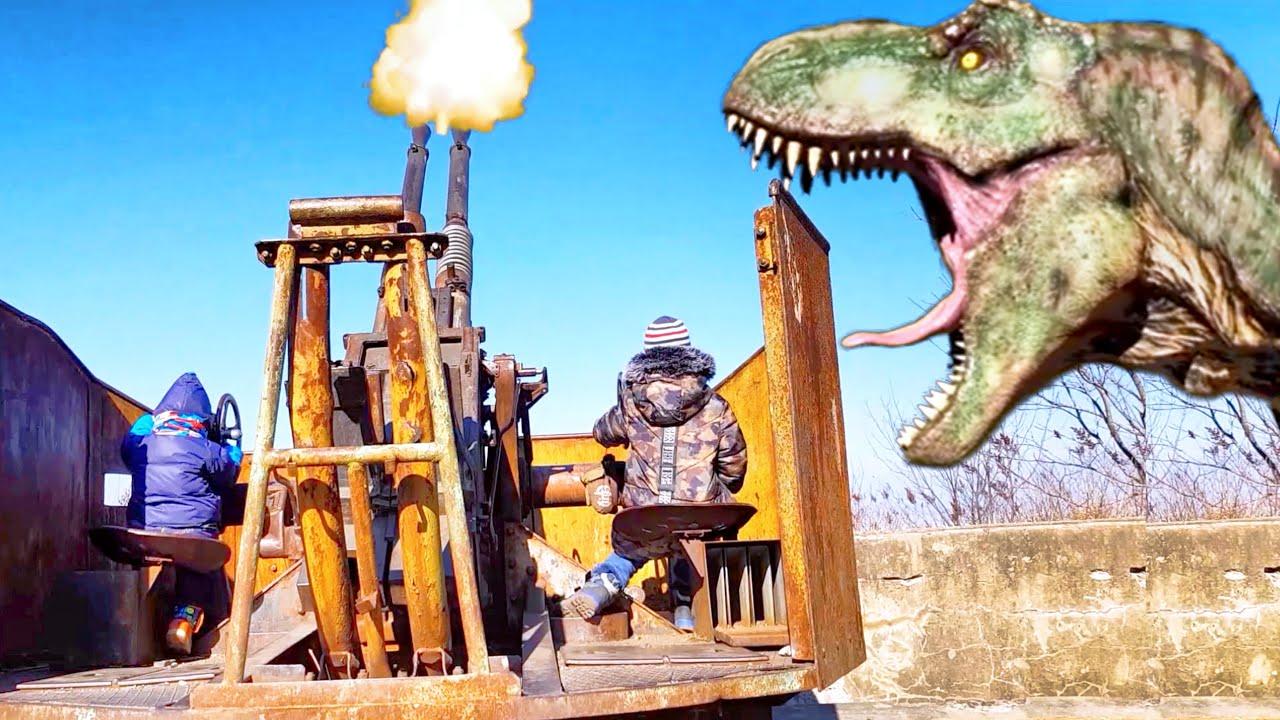 Giant T-Rex Dinosaur in Jurassic park  GIANT LIFE SIZE DINOSAURS Jurassic World   Adventure for Kids