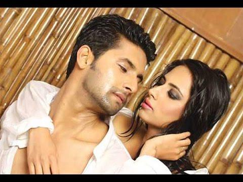 Jamai Raja success party:Ravi Dubey aka Sid kiss wife publicly