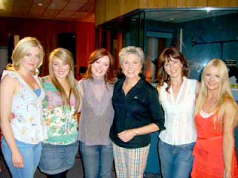 Anne Murray & Celtic Woman  - Song for the Mira