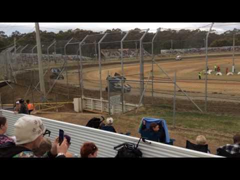 Sprintcars Heat 1 Latrobe Speedway 5/12/15
