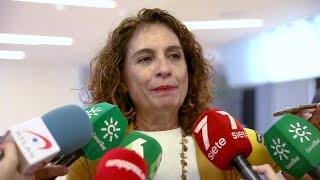 Montero pide al PP y a Cs que se abstengan en la investidura de Sánchez