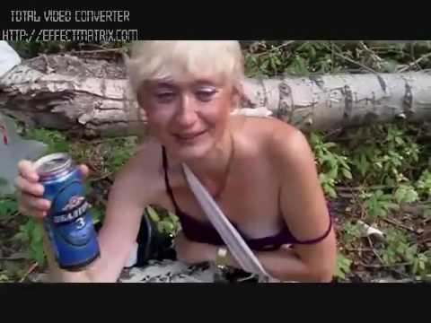 Ишол в лесу увидел трахаются снял и показал в интернете, мастурбирует себя в жопу пальцем