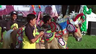 Download Video Es Lilin, Duriat Kuda Silat Bandung, Anniversary HIKA Bio Farma MP3 3GP MP4