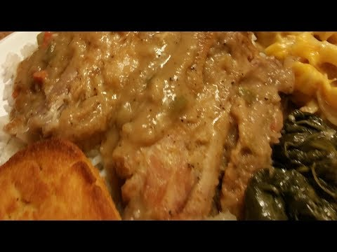 HOW TO COOK SMOTHERED TURKEY WINGS (MY SUNDAY MEAL)