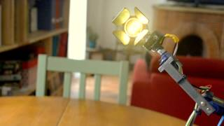 Oio - A Desk-lamp Robot That Has A Soul!