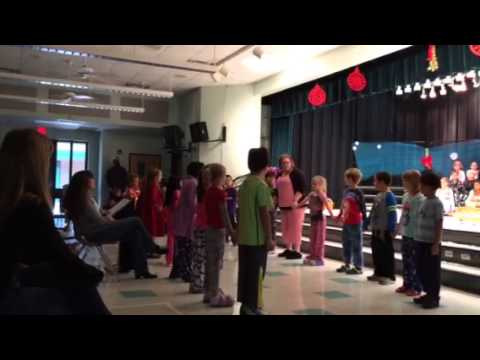 Lake Whitney elementary school Christmas show/ Dakai